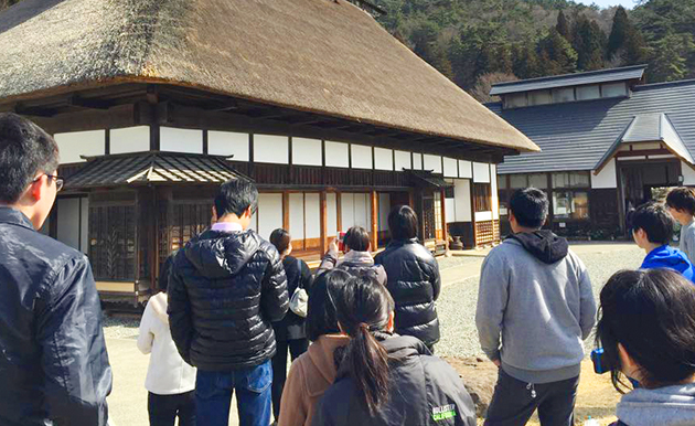 A tour to introduce the local attractions of Rikuzentakata is designed for building extended community.